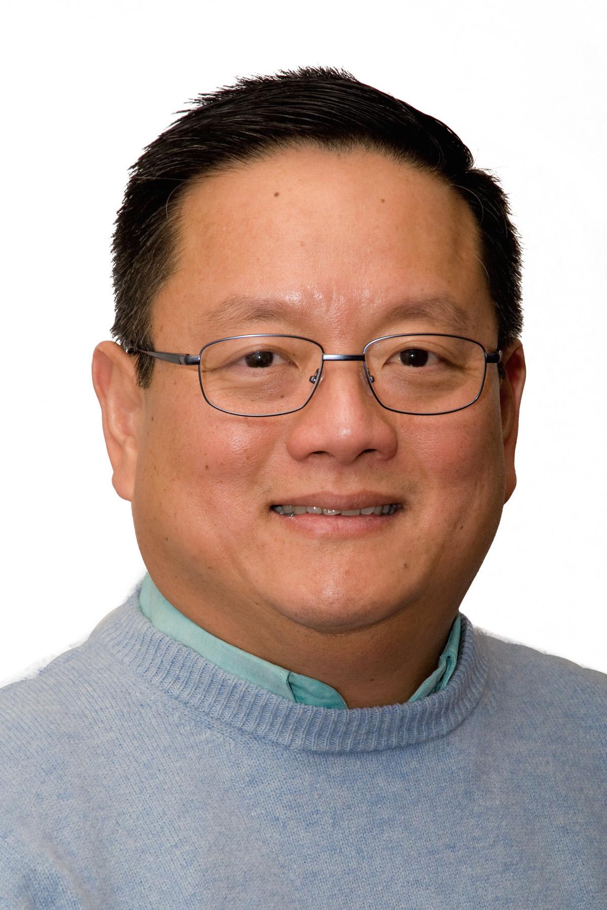 Dr. O. Hartomo